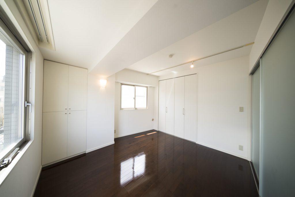 洋室には収納が2箇所。