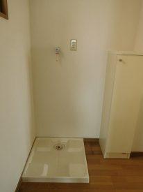玄関先の洗濯機置き場