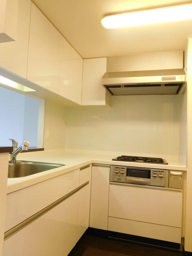 L字のキッチンは使い勝手バッチリです。