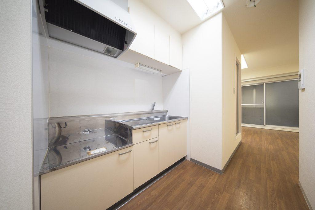 ッチンは調理スペース+収納しっかり。