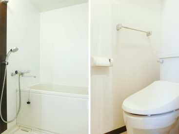 バスルームとトイレ。水周りはキッチン横にひとまとまりになっています。
