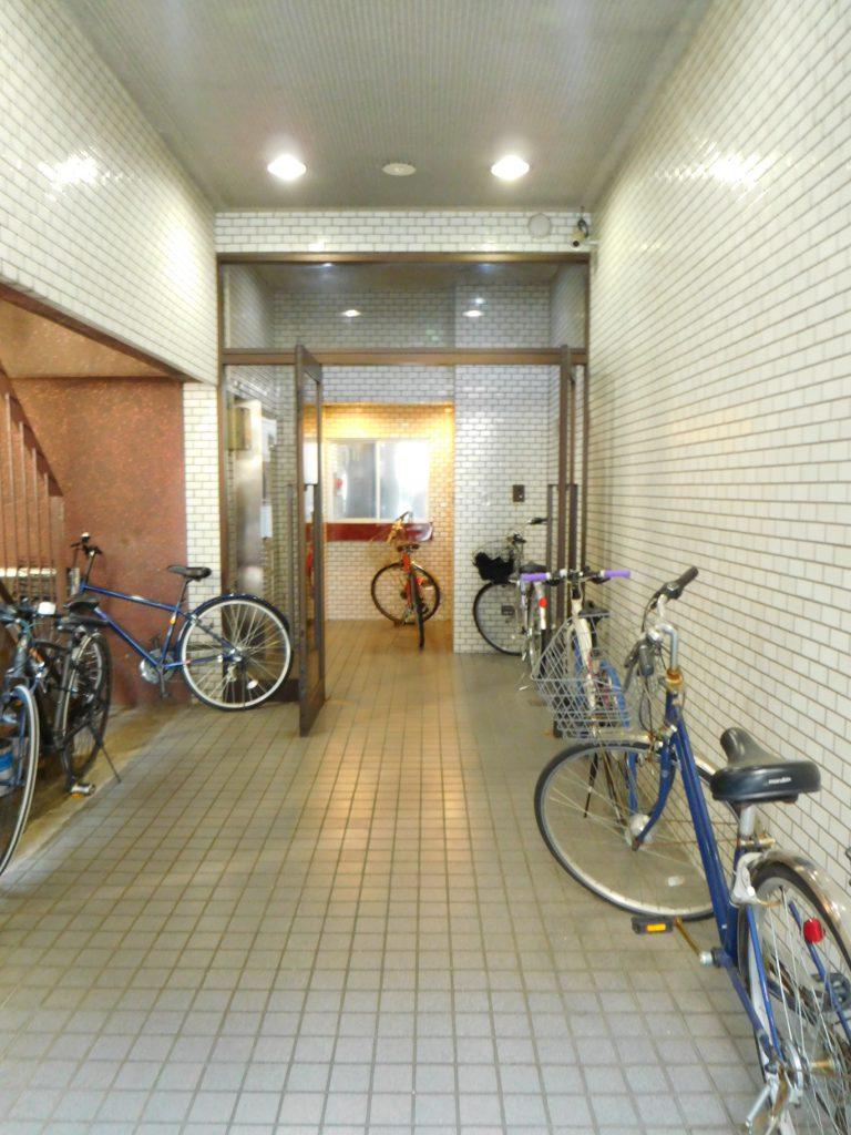マンション内に自転車置けます