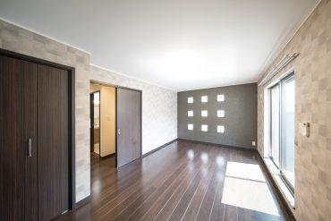 メゾネットタイプ、1〜2階1Kの一室。