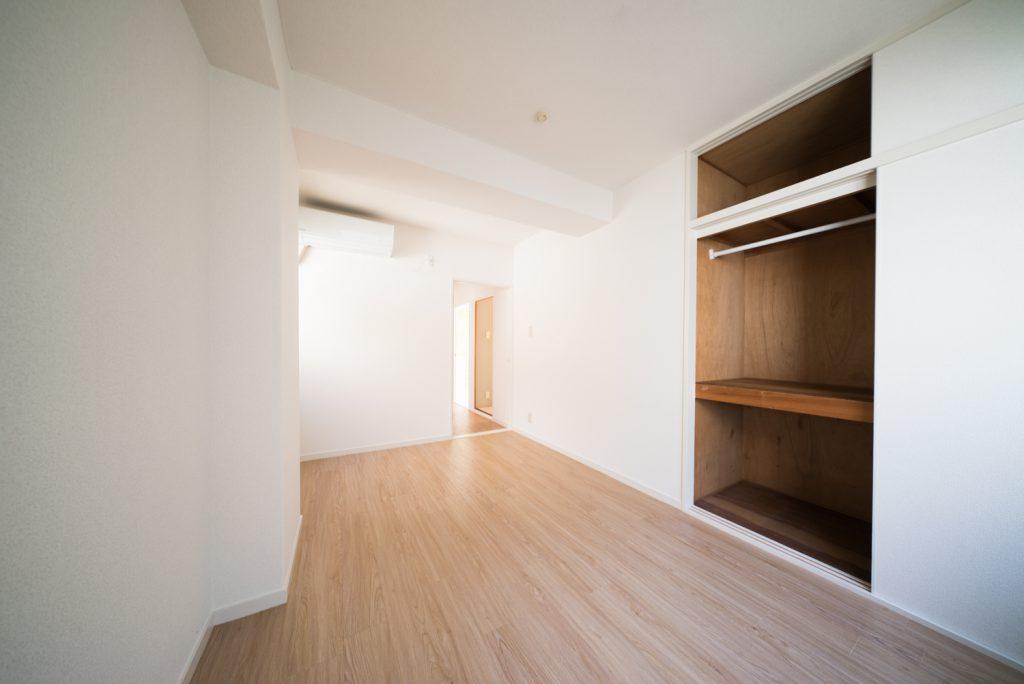 洋室6.6帖には、大容量の収納がついています。