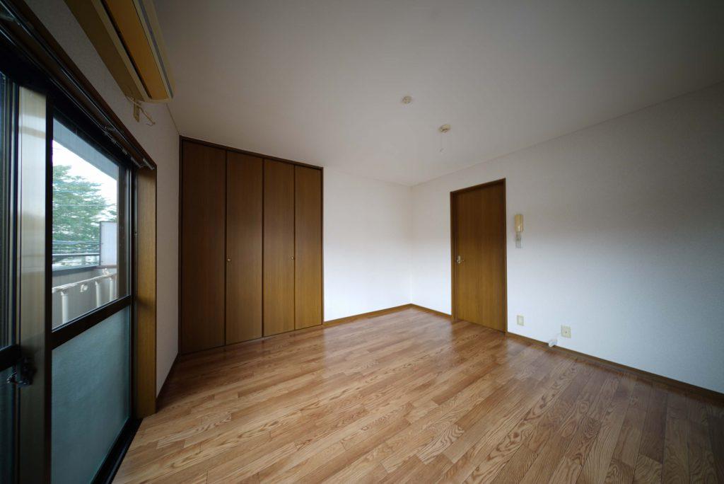 扉を閉めたらこんな感じです
