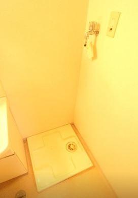 脱衣所の洗濯機置き場