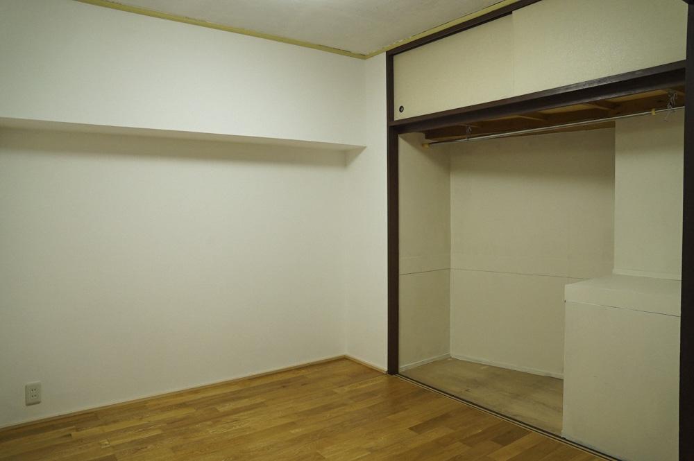 洋室の大きな収納