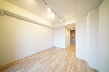 壁の凹凸をうまく活かしたいお部屋
