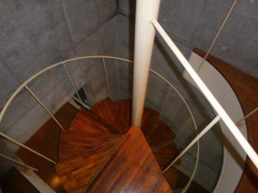 美しい螺旋階段