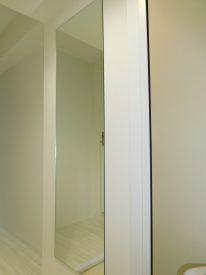 玄関先にある鏡
