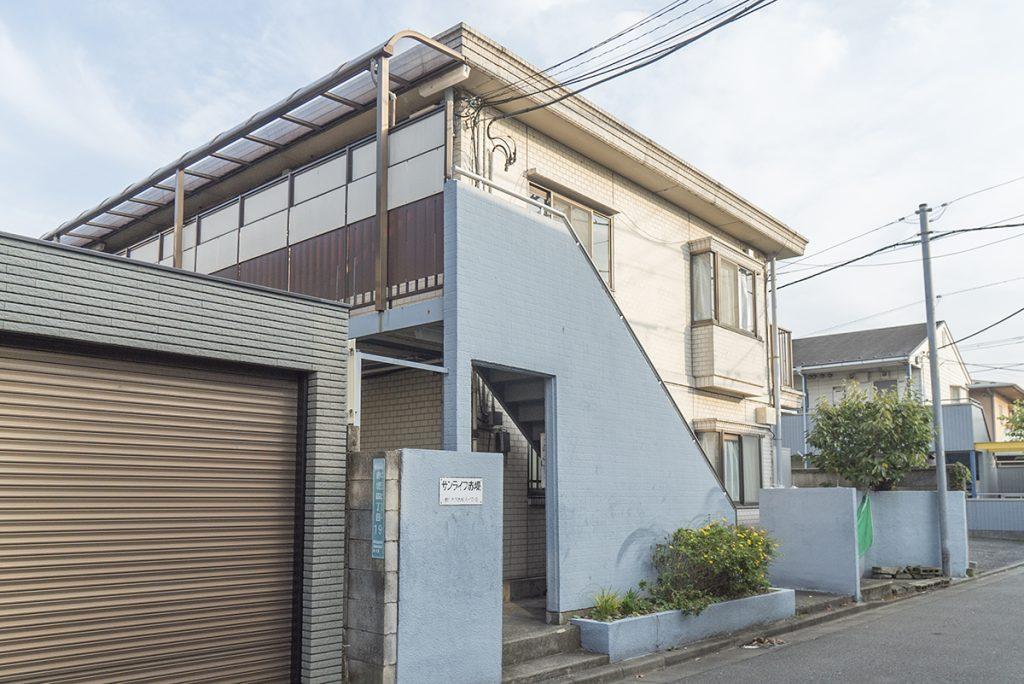 下高井戸駅から徒歩7分。日差しのあたるアパートでした。
