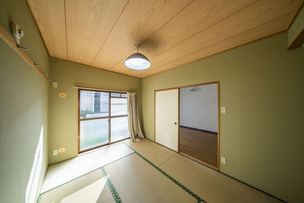 よく日差しの入る和室。