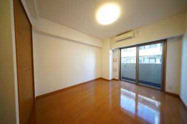 6.7帖のお部屋です(写真は303号室(反転タイプ)のものです。間取りをご確認ください。)