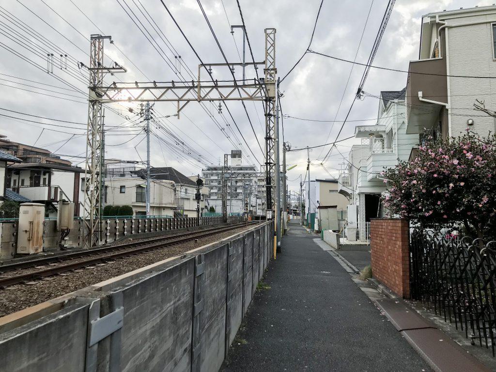 線路沿いってなんだか好きだな〜。