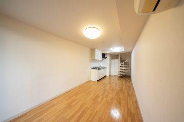 1階にトイレとキッチンがあります。