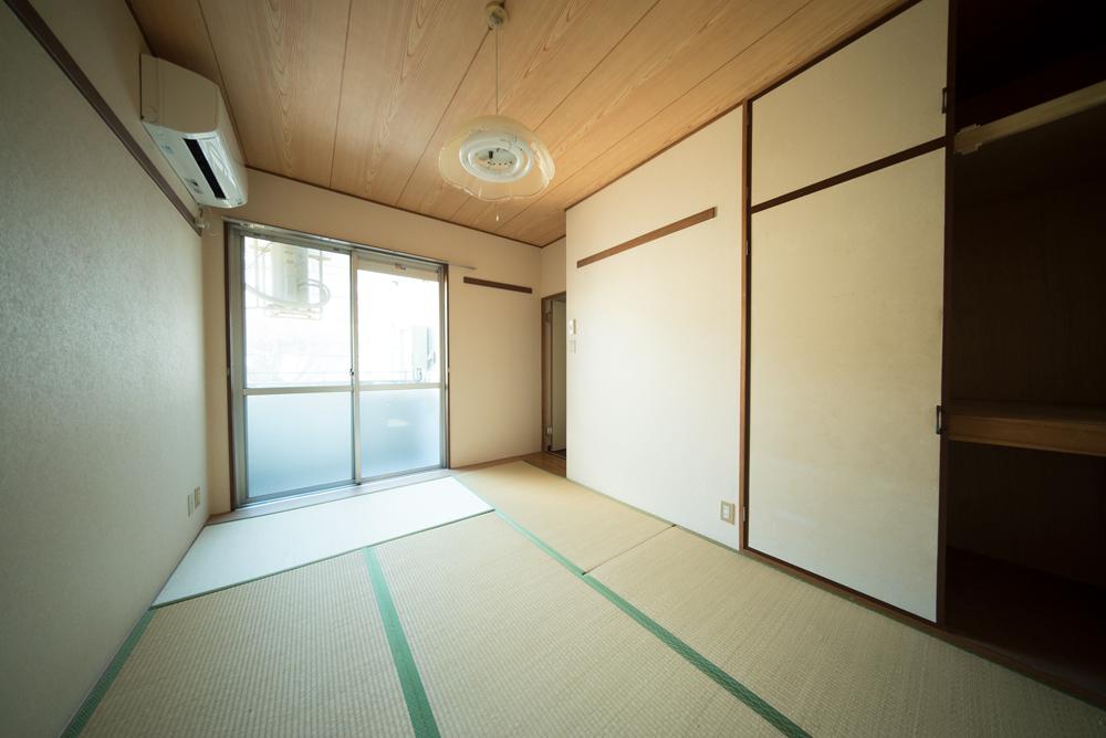 和室6帖。青々とした畳です。