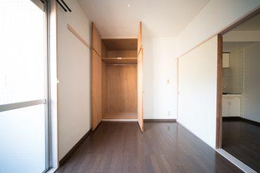洋室の収納。引き戸を外せば1LDKに。