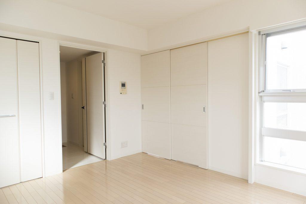 キッチンと洋室を区切ることができます。