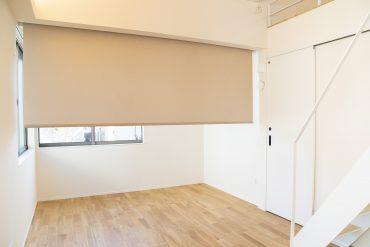 ロールスクリーンがあるので、お部屋っぽくもできる。