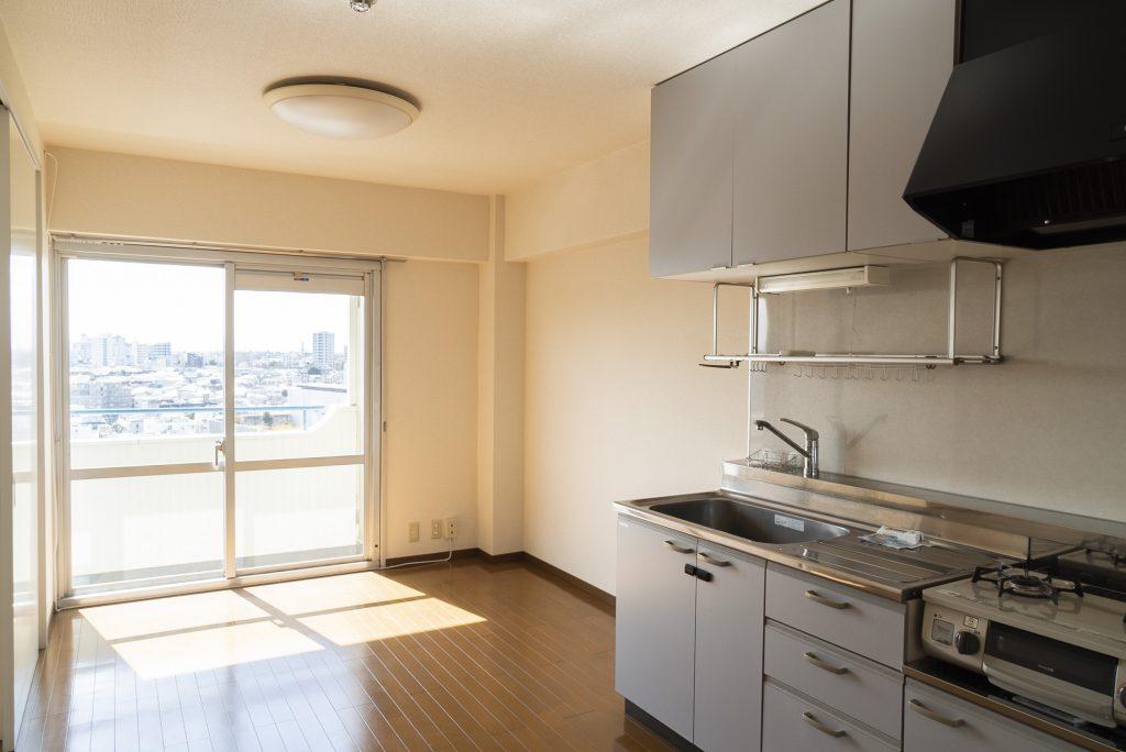 キッチンも広々、使いやすそう。