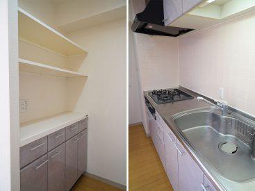 背面にも収納あり、充実のキッチン
