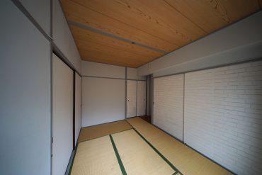 和室① 収納の戸がおしゃれに変身してます