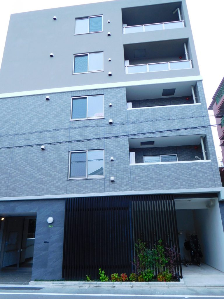 高級感溢れる新築マンション