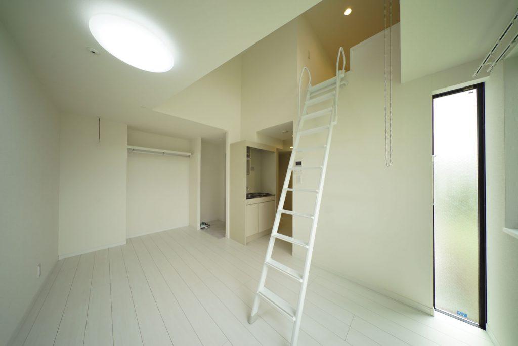 1人暮らしには広々、ロフト付きのお部屋です