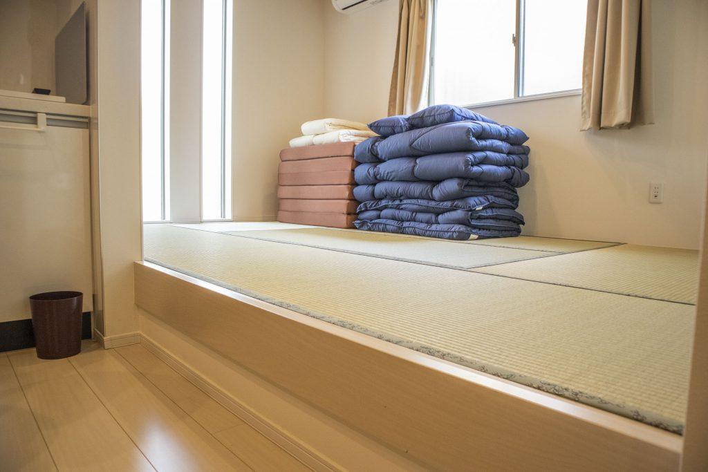 和室との間に段差があるのが宿みたい。