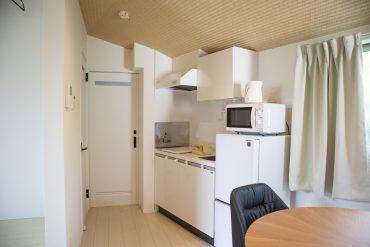 キッチンの奥は洗面スペース。