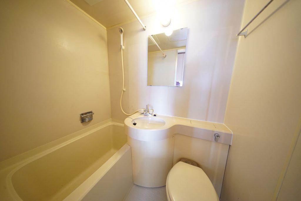 シンプルあっさりなバスルーム