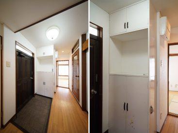 玄関。右の木のドアが洗面スペースです。